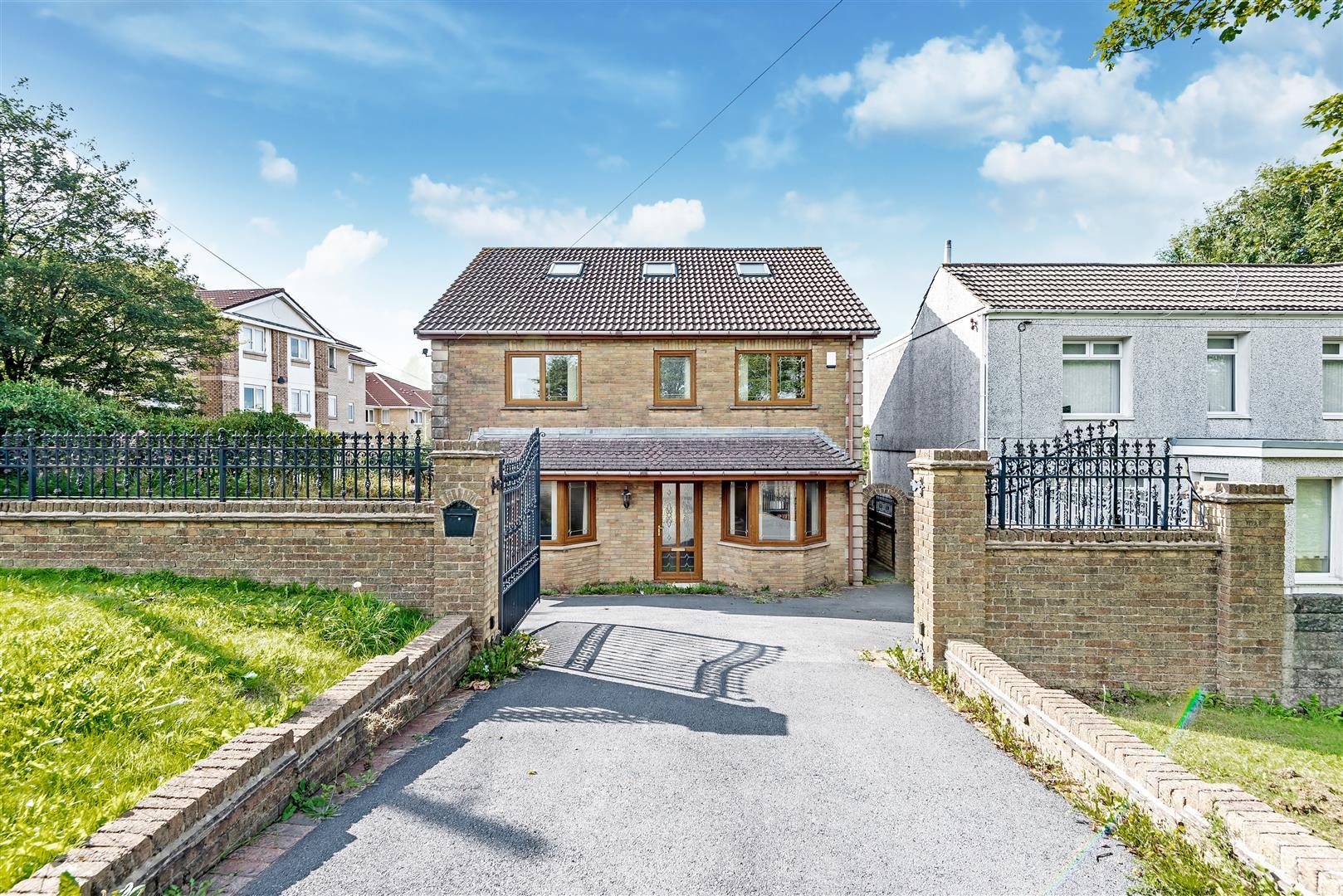 Mynydd Newydd Road, Penlan, Swansea, SA5 7HH